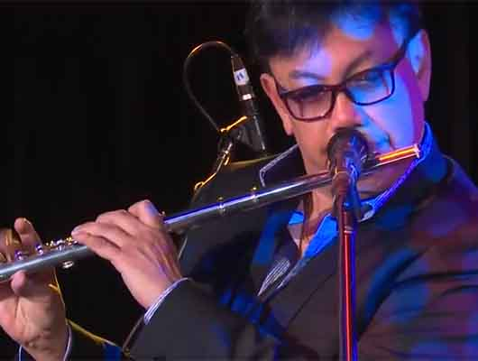 Andrew Oh playing Night In Tunisia on flute